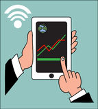 Remettez le téléphone intelligent de tapement avec le paiement APP d'opérations bancaires Images stock