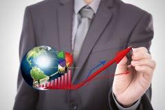 Remettez les silhouettes de point des affaires avec le graphique et la terre rouges Photographie stock