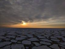 Remiendos del hielo en el lago Michigan fotografía de archivo