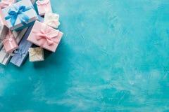 Remise de vente de vacances de présent de boîte-cadeau d'assortiment Photo stock