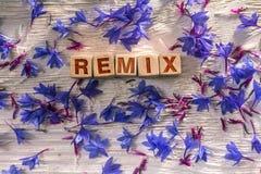 Remix på träkuberna arkivbilder