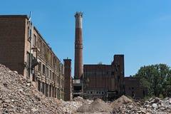 Remodeling и частично подрывание бывшей бумажной фабрики, hattersheim am главным образом-okriftel, Германия фабрики целлюлозы Стоковое Фото