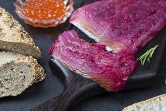Remolachas Gravlax de la trucha o de salmones Fotos de archivo