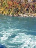 Remolino de los Rapids en el río Fotos de archivo