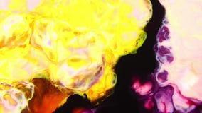 Remolino y explosión de la explosión mezclada del color metrajes