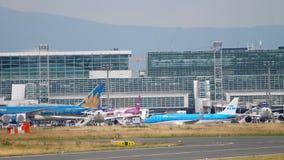 Remolque de Boeing 787 del servicio almacen de video