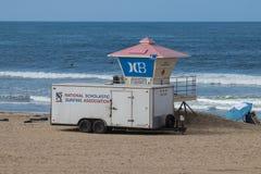 Remolque escolástico nacional de la asociación que practica surf Fotos de archivo
