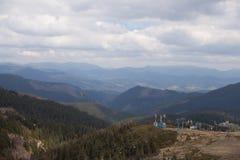 Remonte en las montañas Imagenes de archivo