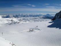 Remonte-pente de glacier de Dachstein en Autriche photographie stock libre de droits