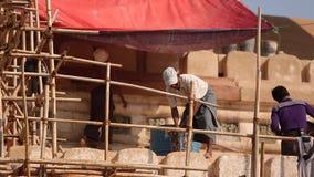 Remontowa pagoda w Myanmar zbiory wideo