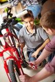 Remontowa rower usługa Fotografia Royalty Free