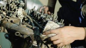 Remontowy stary samochodowy silnik zbiory