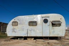 Remorque abandonnée dans la ville fantôme la Californie de plage de Bombay images libres de droits