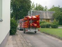 Remorque avec des kayaks photos stock