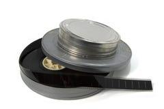 Remorques de film dans des bidons de film métallique Image stock