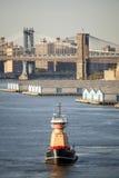 Remorqueur à New York City photographie stock libre de droits