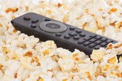 remote för closeupkontrollpopcorn Fotografering för Bildbyråer