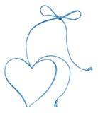 Remous bleu de corde avec le coeur et la proue Images stock