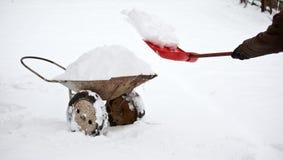 Removendo a neve do território Imagem de Stock Royalty Free
