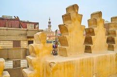 Remparts d?coratifs de mosqu?e d'Amir Sarghatmish, le Caire, Egypte photographie stock