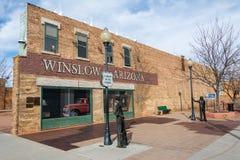 """Remplaçant """"sur le parc faisant le coin en Winslow, AZ image libre de droits"""