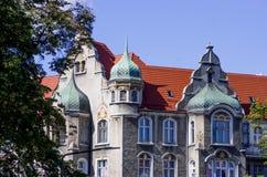 Remplacez les appartements dans la ville d'Europen image stock