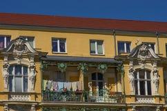 Remplacez les appartements dans la ville d'Europen photos stock