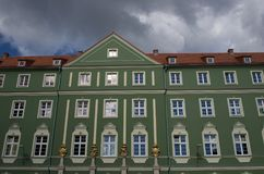 Remplacez les appartements dans la ville d'Europen photographie stock