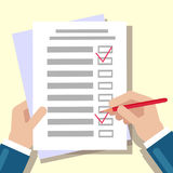 Remplissage de liste de contrôle Mains sur la table illustration libre de droits