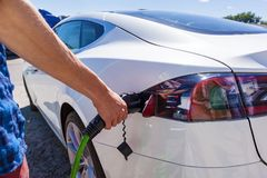 Remplissage de véhicule électrique Photo stock
