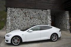 Remplissage de véhicule électrique Images stock