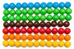 Remsor av den färgrika chokladen - bestruken godis Royaltyfri Foto
