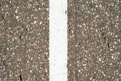 remsor f?r pilhorisontalmarkeringsv?g Gr? asfalttextur f?r bakgrund royaltyfria bilder