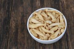Remuez le champignon frit de shimeji photo libre de droits