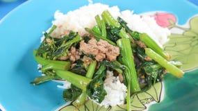 Remuez le légume frit avec du riz ou remuez le gre frit de moutarde chinoise photographie stock libre de droits