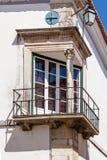 Renässansfönstret (Janela Renascentista) nära den Misericordia kyrkan Royaltyfri Foto