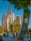 Ren Center e monumento moderno fotografia stock libera da diritti