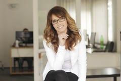 Modern yrkesmässig affärskvinna Royaltyfri Fotografi