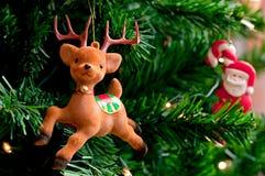 Ren och Santa Claus Royaltyfria Bilder