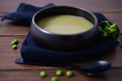 Ren soppa för gröna grönsaker arkivfoton
