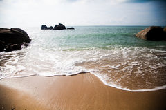 Ren strand i Thailand Arkivfoton