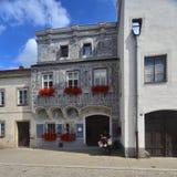 Renaissancefassade eines Hauses in Slavonice, Tschechische Republik stockfotos