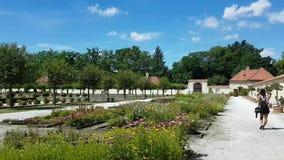Renaissancepalast Kratochvile auf künstlicher Insel stock video