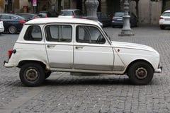 Renault bianco 4 isolato Fotografia Stock Libera da Diritti
