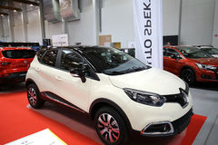 Renault Captur a montré à la 3ème édition de l'EXPOSITION de MOTO à Cracovie Pologne Images libres de droits