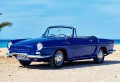 Renault Caravelle na plaży Zdjęcie Royalty Free