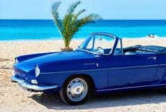 Renault Caravelle på stranden Royaltyfria Foton