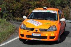 Renault Clio durante a lanterna da reunião de 32 ° Imagens de Stock