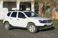 Renault Duster biel Zdjęcia Royalty Free