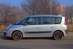 Renault Espace parkerade Arkivbild